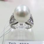 TKR-4052